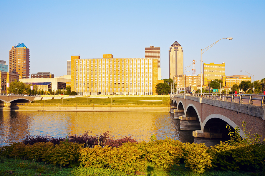 bigstock-Morning-In-Des-Moines-36647416